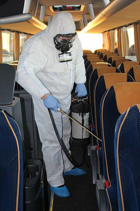 Loni 16. března došlo k jednomu z prvních dezinfikování autobusů ČSAD STTRANS.
