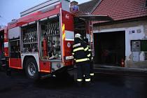 Vodňany - Hasiči zasahovali při požáru v kotelně domku ve Vodňanech.