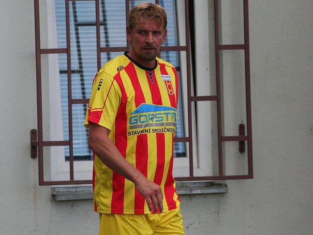 Jan Zušťák hattrickem rozhodl ovítězství Strakonic 3:1 nad Lokomotivou České Budějovice.