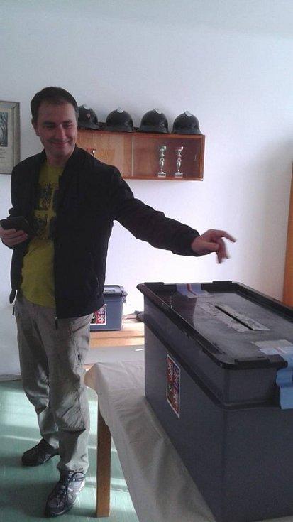Volby ve Šťěkni.
