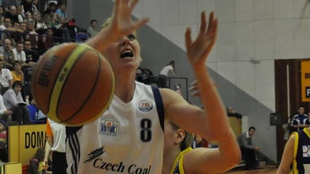 Strakonice vyhrály třetí čtvrtfinále nad Slovankou 94:78.