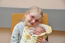 Viktorie Janoušková, Husinec, 25.4. 2016 v 11.59 hodin, 2850 g. Čtyřletá Klárka má malou sestřičku.