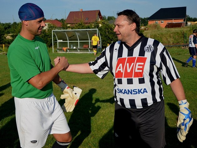 Michal Zelinka (vpravo) ukončil činnost v áčku Dražejova.