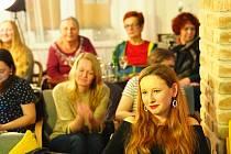 V pátek 22. února zahrála jihočeská hudební skupina Nahoře ve vodňanské v kavárně U Lípy. Čerpá ve své tvorbě inspiraci z klasického folku, lidové hudby i šansonu.