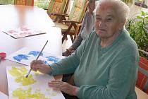 Nejoblíbenější jsou u seniorů tvůrčí práce.