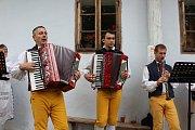 Tradiční dožínky nachystali pracovníci Muzea středního Pootaví na hoslovickém mlýně.