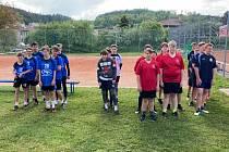Nohejbalový kraj starších žáků odstartoval turnajem trojic.