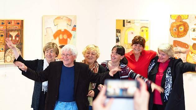 Vodňany – V neděli 12. května byla zahájena vernisáží výstava Josefa Synka Obrazy a kovové plastiky v Městské galerii Vodňany.Výstava trvá do 16. Června.