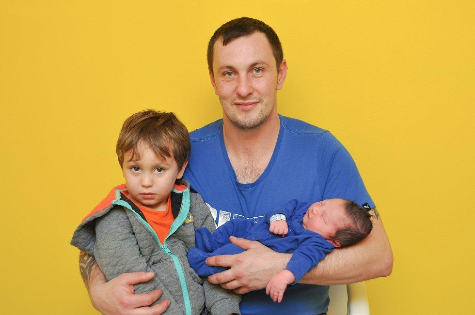 Tobiáš Kovář ze Střelských Hoštic. Tobík se narodil 18. 1. 2020 v 9.46 hodin a jeho porodní váha byla 3 270 gramů. Chlapeček bude vyrůstat společně s bráškou Dominikem (4).