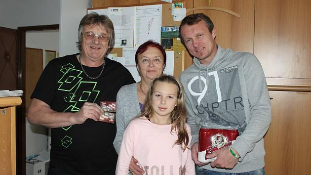 Zleva Jiří Benedikt, Stanislava Benediktová, Jiří Benedikt ml. a Izabela Benediktová.