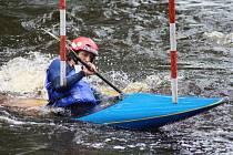 Vodáci o víkendu absolvují Strakonické slalomy.