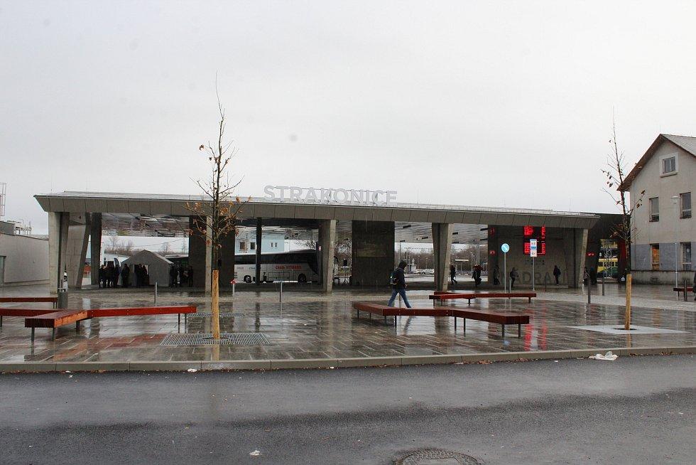 Dopravní terminál Strakonice byl uveden do provozu.