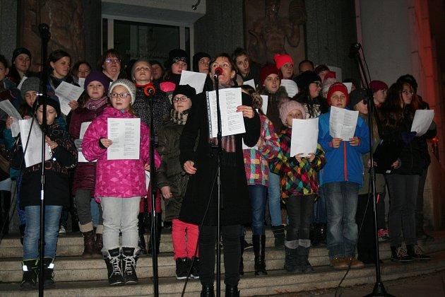 Česko zpívá koledy ve Strakonicích.