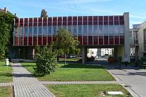 Spojovací krček na ZŠ Dukelská.