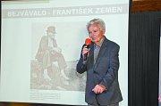 František Zemen obdržel Cenu starosty města. Snímky jsou z loňské vernisáže jeho výstavy Bejvávalo...