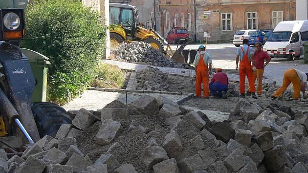 Rekonstrukce v ulici Kochana z Prachové.