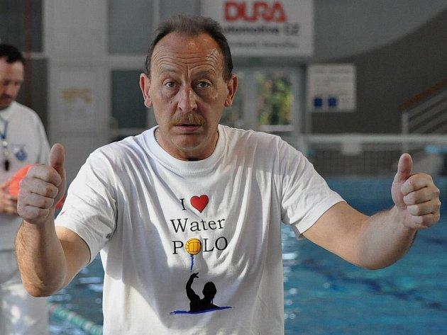 Je to doma! Spokojený trenér Josef Janeček.