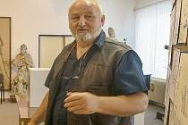 Zdeněk Fugas Plachta se sice narodil v Prachaticích, ale záhy přesídlil do nedalekých Vodňan. Jeho celoživotní vášní je divadlo.