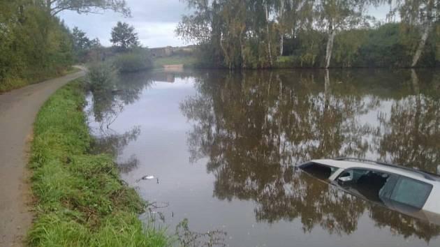 Řidič měl štěstí v neštěstí.