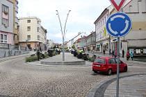 Strakonice, Velké náměstí, kruhová křižovatka. Ilustrační foto