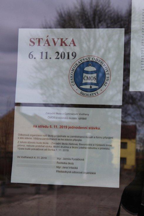 Na vodňanském gymnáziu se učilo. Budovy základních škol zůstaly ale kvůli stávce učitelů zavřené.