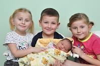 Anna Zdeňková z Kejnic. Anička se narodila 29.12.2018 ve 13 hodin a 30 minut a při narození vážila 3640 g. Na Aničku se doma těšili sestřičky Petruška (6) a Verunka (5) a bratříček Kubík (5).