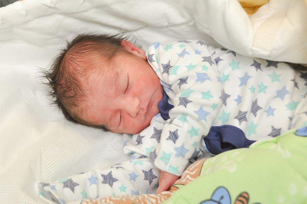 Lukáš Halabrín ze Zdíkova. Lukášek se narodil 10. 1. 2020 v 15.46 hodin a jeho porodní váha byla 3 370 gramů. Osmiletá Alenka byla z narození malého bratříčka nadšená.