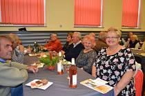 V Čejeticích uspořádali v sobotu 2. prosince setkání důchodců.