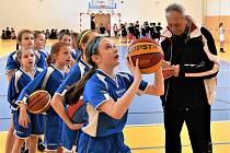 Strakoničtí basketbalisté připravili další zajímavou akci pro děti ze druhých až čtvrtých tříd ZŠ.