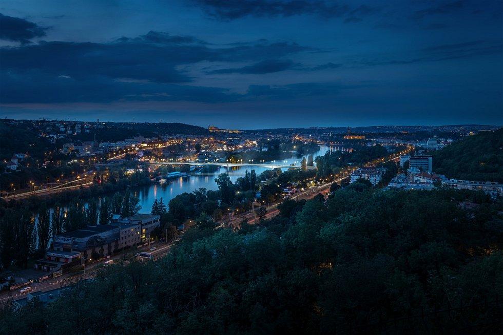 Dvorecký most v Praze.