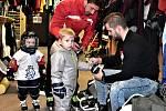 Týden hokeje Strakonice 24. ledna zaplnil Křemelku dětmi.