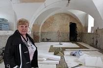 Při rekonstrukci muzea ve Strakonicích našli dělníci skrytou místnost. Násypy, kterých byla plná,  budou prozkoumávat archeologové.