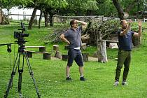 V Machově včelíně na Strakonicku se natáčel jeden z dílů podzimní série pořadu Herbář s Kateřinou Winterovou.