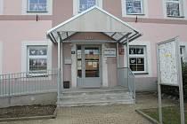 Podívejte se fotografie současné podoby interiéru školy ve Střelských Hošticích i na přestavbu z let 2007 až 2009.