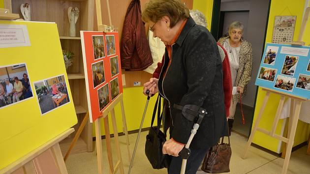 Výstava fotografií z aktivit seniorů na Vodňansku v roce 2017.