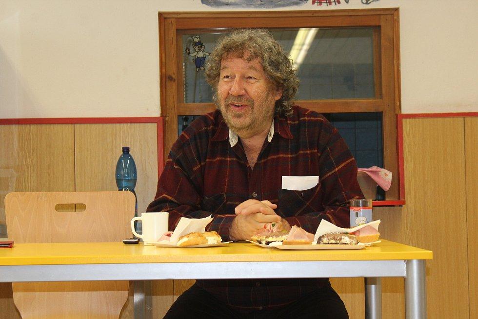 Zdeněk Troška navštívil Dětský domov ve Volyni.
