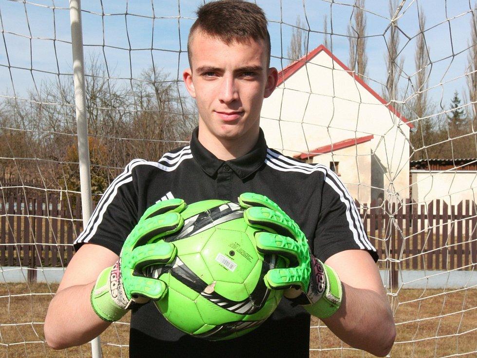 https://g.denik.cz/30/e2/fotbalovy-brankar-martin-janacek-st17_galerie-980.jpg