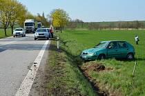 Při autonehodě naštěstí nedošlo k vážnějším zraněním. Řidič osobního auta  byl přivolanou záchrannou službou převezen do nemocnice.