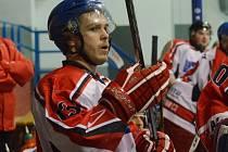 Strakoničtí hokejisté vyhráli ve Vimperku 3:1. Jakub Major dával stvrzující třetí gól do prázdné branky.