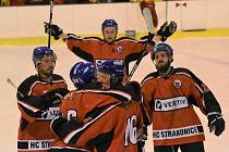 Derby se stalo kořistí hráčů HC Strakonice.