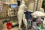Strakoničtí vojáci se starali i o pacienty nejhůře zasažené koronavirem.