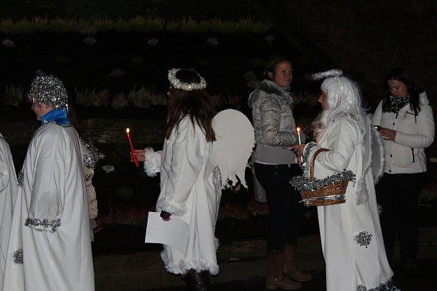 Střítež - Rozsvícením vánočního stromku začal v sobotu 25. listopadu ve Stříteži advent