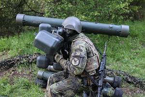 Vojáci cvičili na zahraniční misi. Ve střehu byli 24 hodin denně