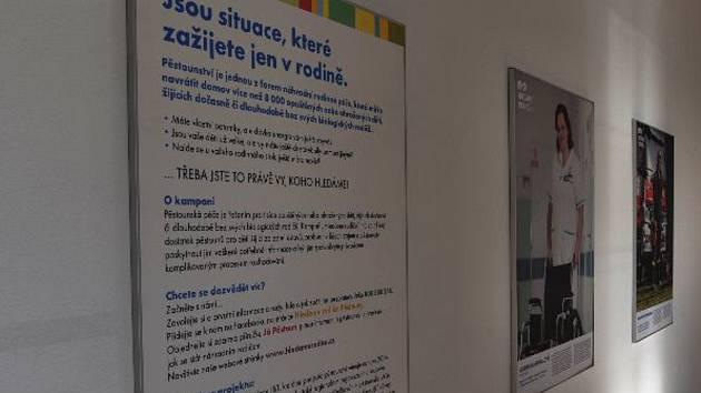 Putovní výstava na podporu pěstounství v Jihočeském kraji je nyní ve Vodňanech. Ilustrační foto.