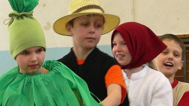 Děti si připravily pro zahraniční hosty program.