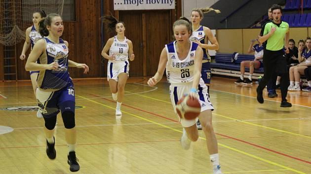 Český pohár: BK Strakonice - Chomutov 53:83.