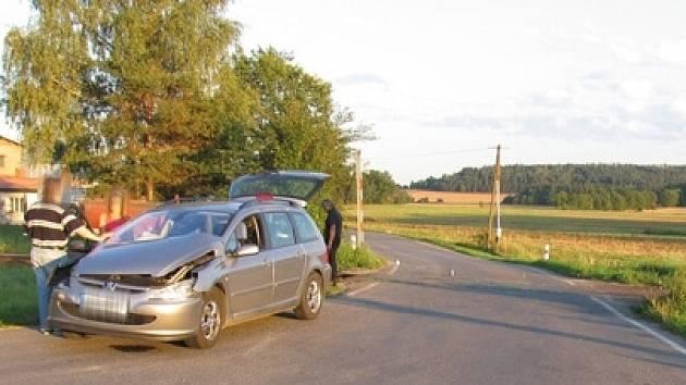Nehoda na přejezdu mezi Osekem a Radomyšlí se naštěstí obešla bez zranění.