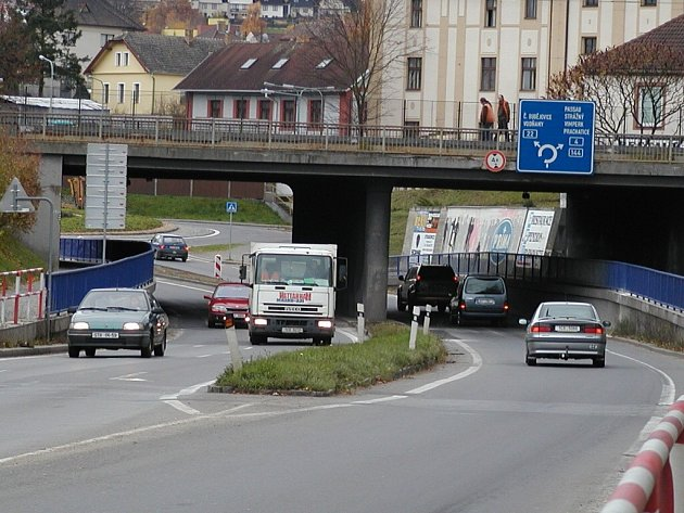 Viadukt u strakonického nádraží.