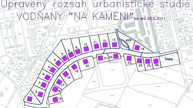 Parcely měly být ale na prodej v září 2012. Vše se prý zdrželo z důvodu finanční spoluúčasti majitelů dotčených stavebních parcel, ale i petice občanů, kteří bydlí v západní části lokality.