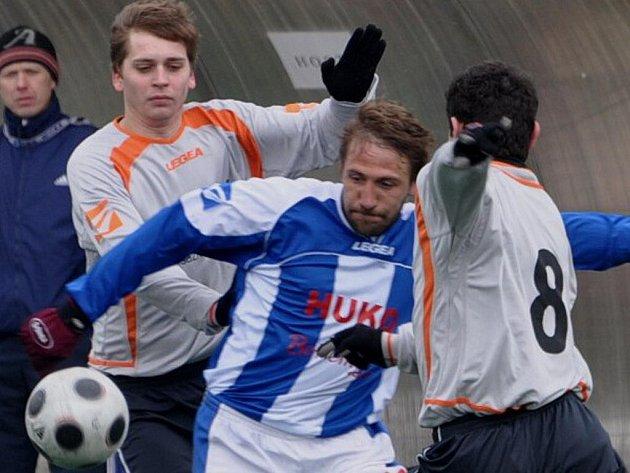 V dresu Strakonic hrál Patrik Káník naposledy minulou sobotu proti Hořovicku. Nyní bude pomáhat Písku v ČFL.